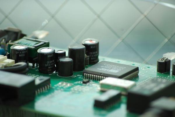 半導体業界に大型M&Aの波が到来!米ラムリサーチが米KLA-Tencorを買収へ