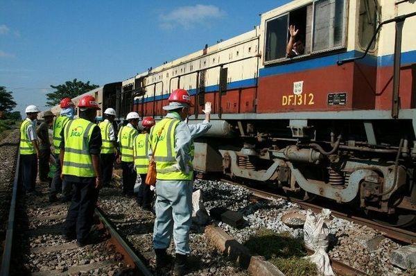ミャンマーの鉄道整備に奔走する日本人技術者