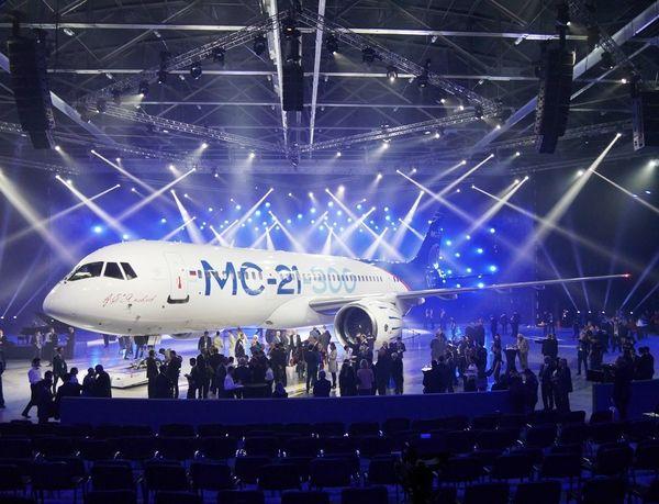 世界最大の航空機市場に殴り込みかけるロシア