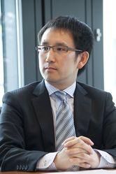 松井 信智氏