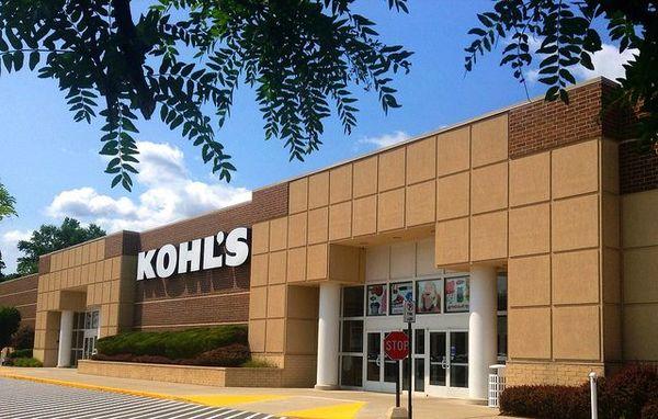 アマゾンの実店舗戦略、今度は米大手百貨店と提携