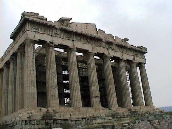 民主主義と暴力とカネと格闘するギリシャ現代史