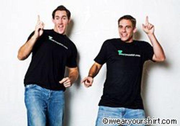 あなたの会社のTシャツを着ます!