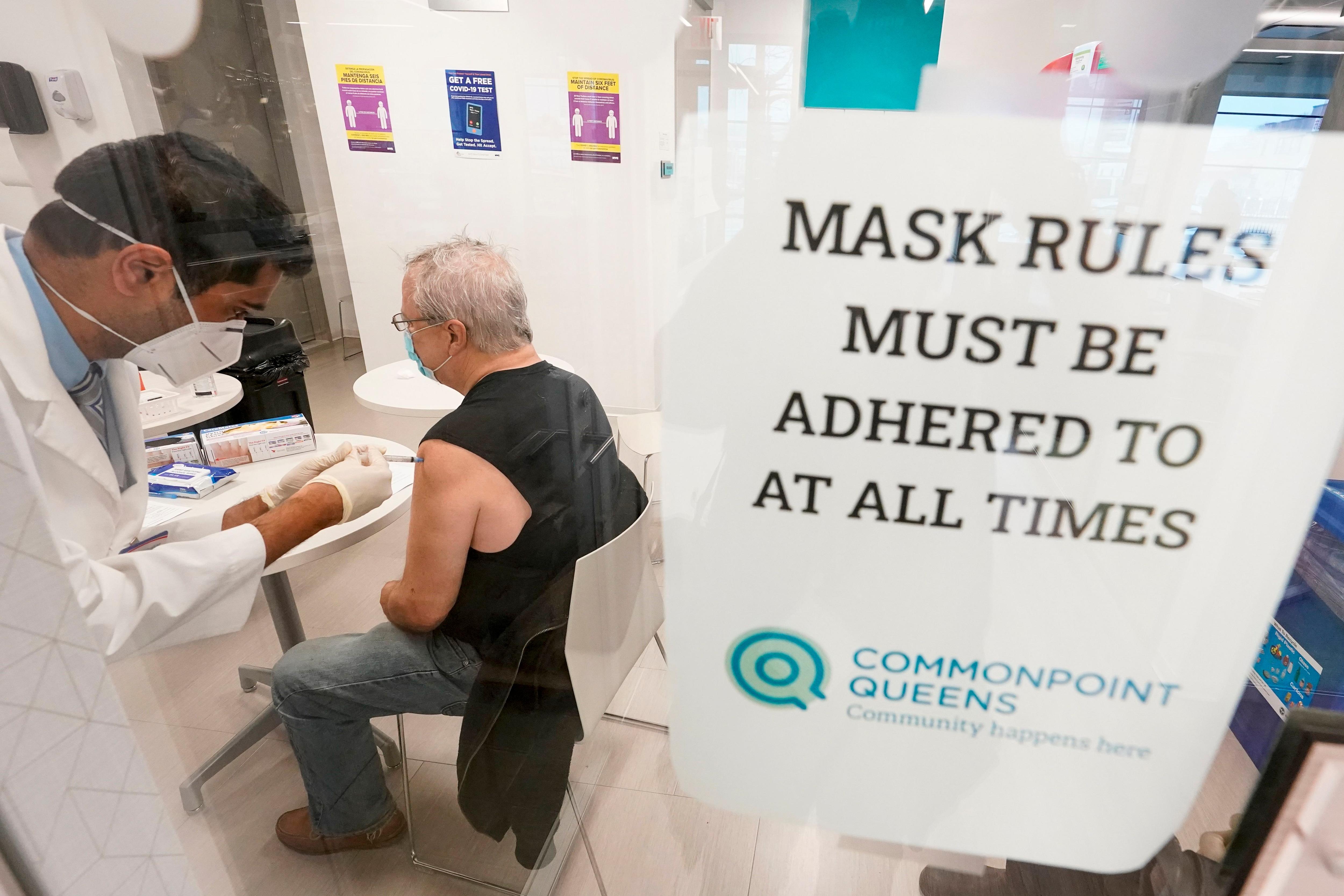 ワクチン注射の担い手不足を解消するための奥の手欧米では薬剤師や獣医など医療関連の職種にワクチン注射を拡大中 – 明日の医療
