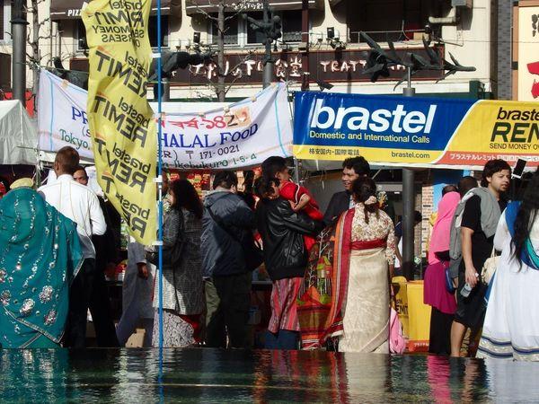 バングラ人の思いが込められた池袋のモニュメント