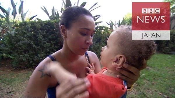 パラリンピックの傍らで……障害のあるリオの子供と家族は