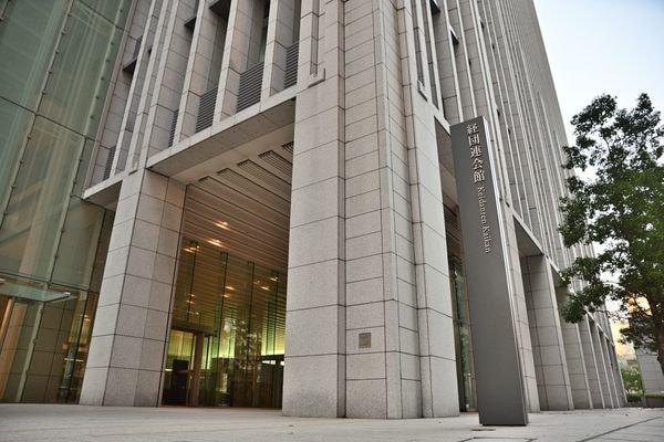 学業重視の「通年採用」は日本企業に馴染むのか