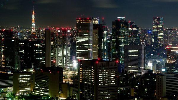 日米「ブロードバンド競争」第2幕、日本は「光の道」構想で勝てるのか?