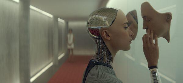 機械仕掛けの神、AIは人間の敵か味方か