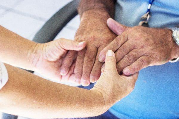 2.5人に1人が65歳以上。超高齢化社会に求められるIoT