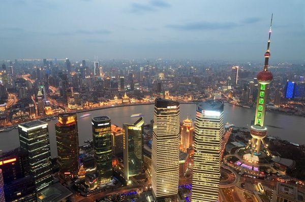 岐路に立つ中国経済