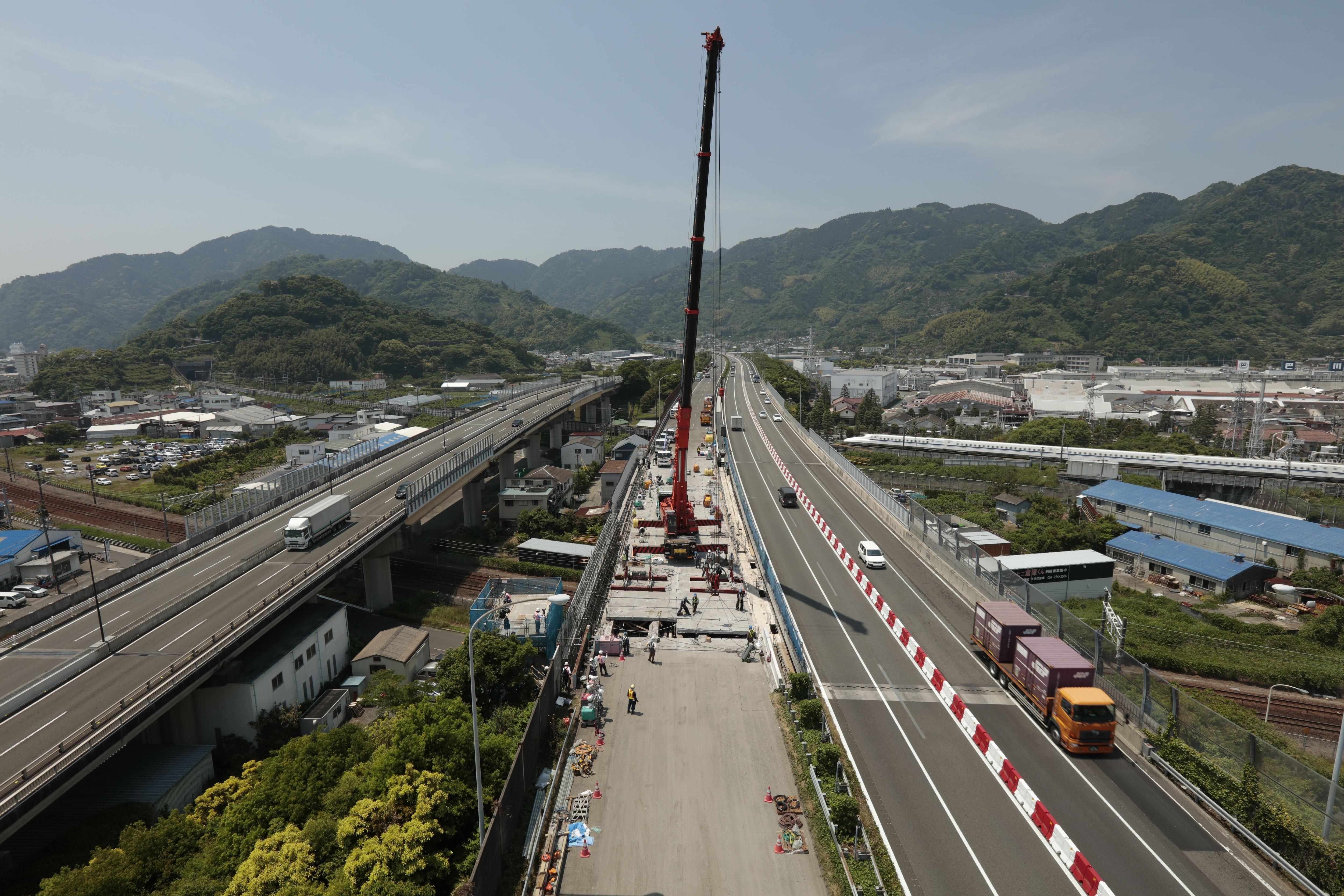 今、日本の高速道路はどういう状況なのか
