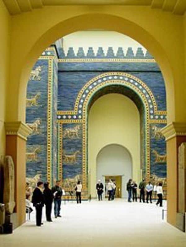 戦乱にさらされ続けるイラク古代遺跡の不幸