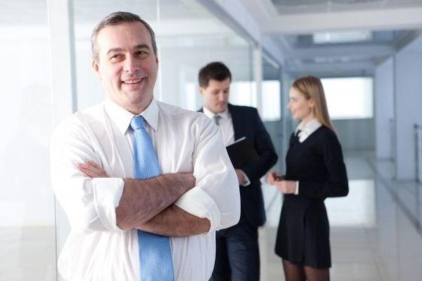 自分で考えない部下は「考えすぎる上司」が作る