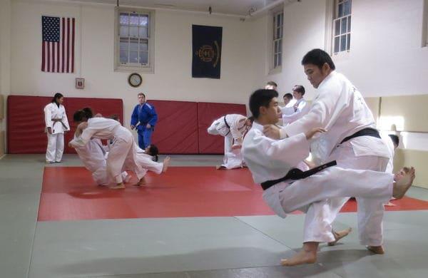 柔道が日米同盟の絆を強くする!~米国海軍のエリート養成大学で、日本の一流現役選手が熱血指導