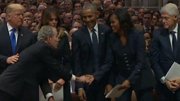 息子のブッシュ氏、ミシェル・オバマ夫人にまたアメを?