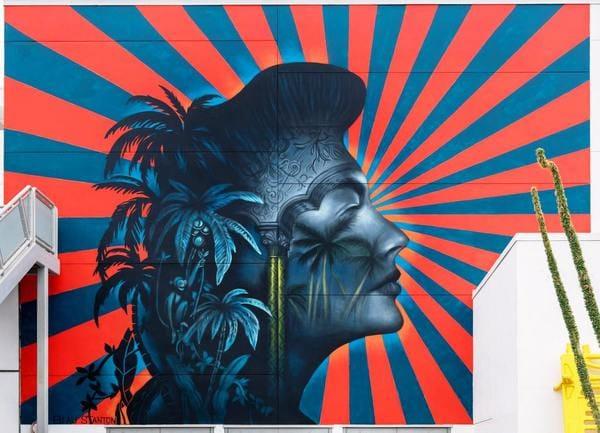 芸術より韓国系住民、押し切られたロサンゼルス