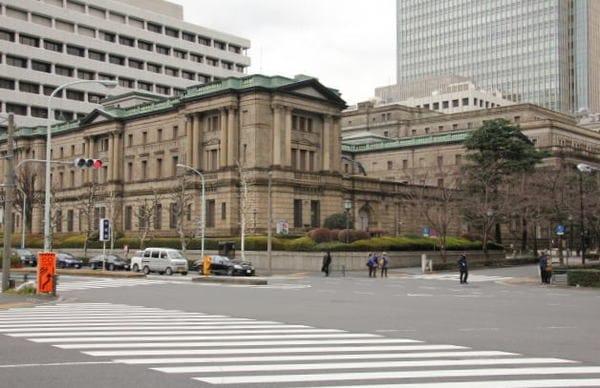 黒田日銀総裁の「敗北宣言」は新たな戦いの始まり