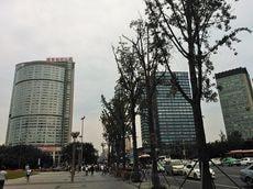 巨大投資で「半導体自給率」向上を目指す中国