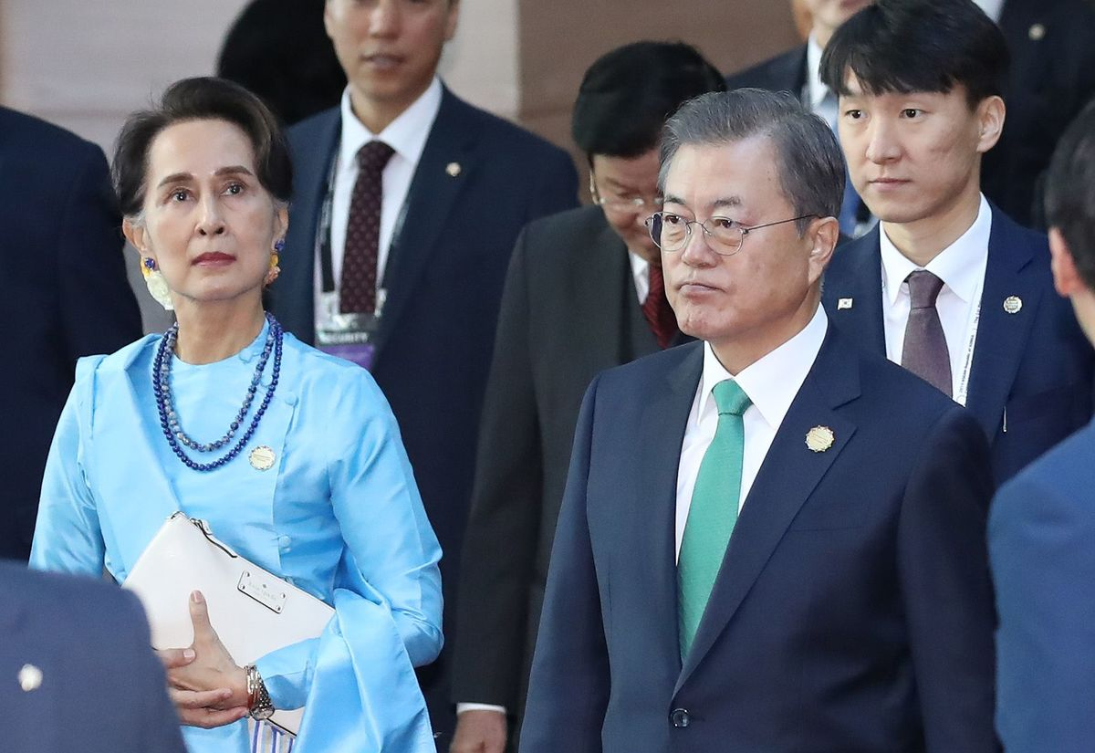 韓国 崩壊 動画