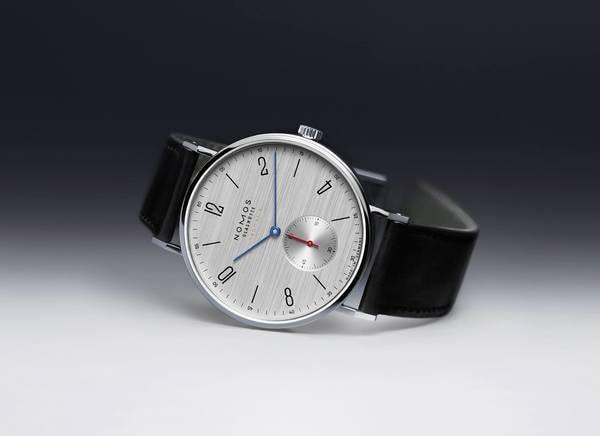 腕時計ジャーナリストが語るビジネスパーソンにとってNOMOSが別格である理由