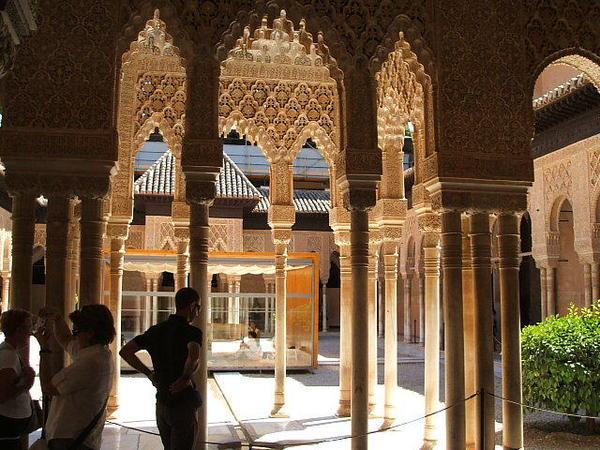 スペインのママ、イスラム女子一人旅を本気で心配