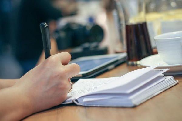 考えがまとまらないときは、とにかく「書く」こと