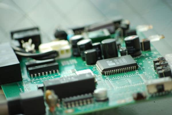 世界半導体市場は今後も成長、微細化も止まらない