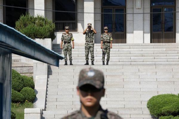 撮影 愛 朝鮮 の 北 不時着