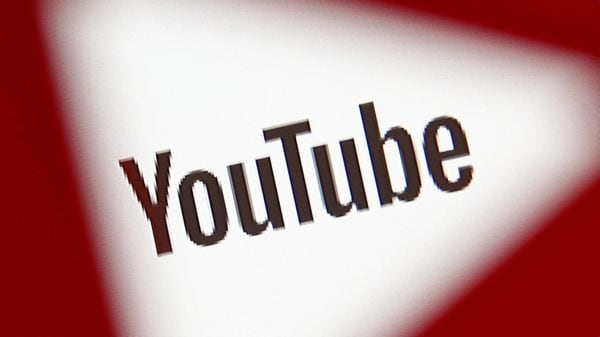 YouTube上の子供虐待 報告制度に問題