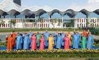 APECの加盟国首脳が揃って、アオザイファッション-ベトナム