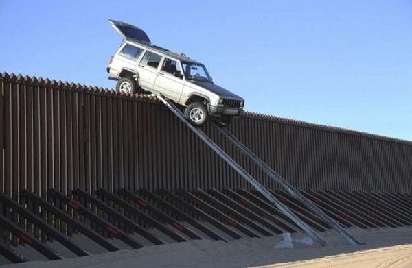 国境の壁の真実:トランプもペロシも間違っている