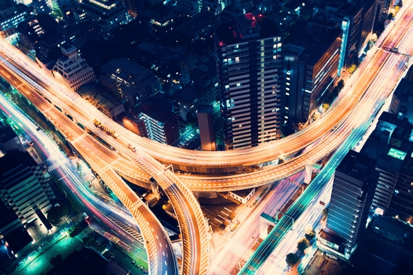 自動車業界に革新的なIoTソリューションを