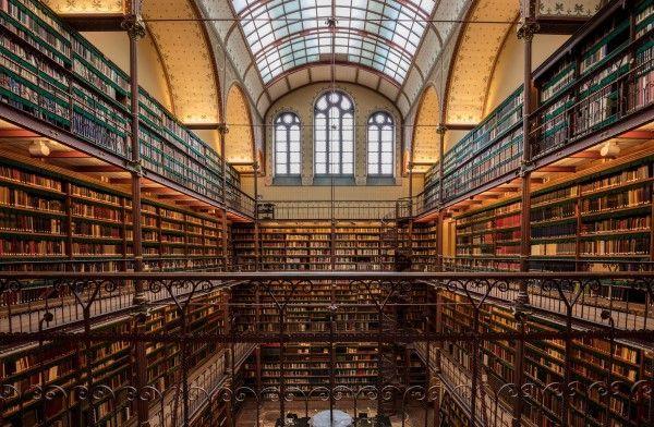「こんな図書館があるのか!」心躍る知の館