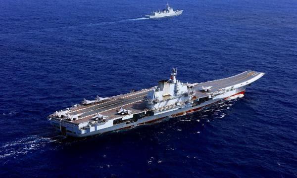 中国空母と米軍原潜、対決の場になる南シナ海