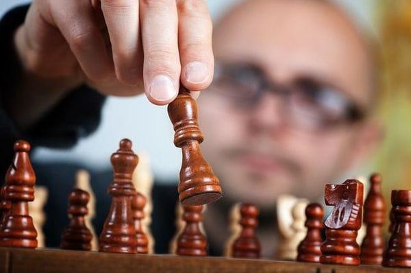 経営戦略の理論を現実の経営に役立てるためのヒント