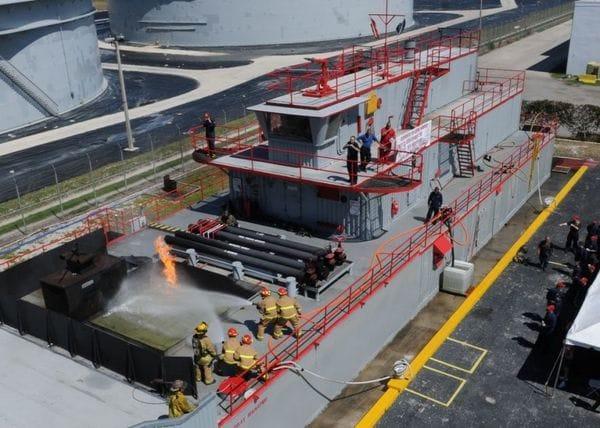 護衛艦「いずも」が中国の魚雷一発で沈む日