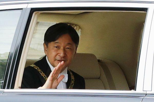 「日王」から「天皇様」へ、関係改善模索する韓国