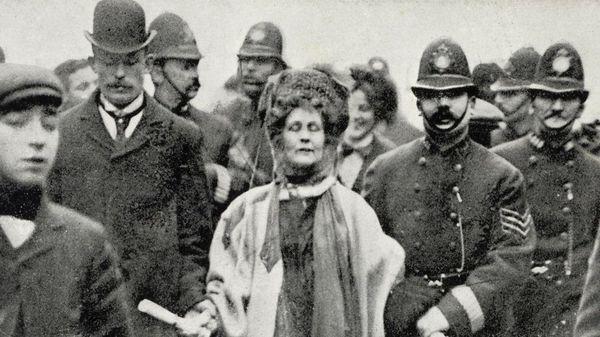 それまではどうだったのか 英女性参政権100年